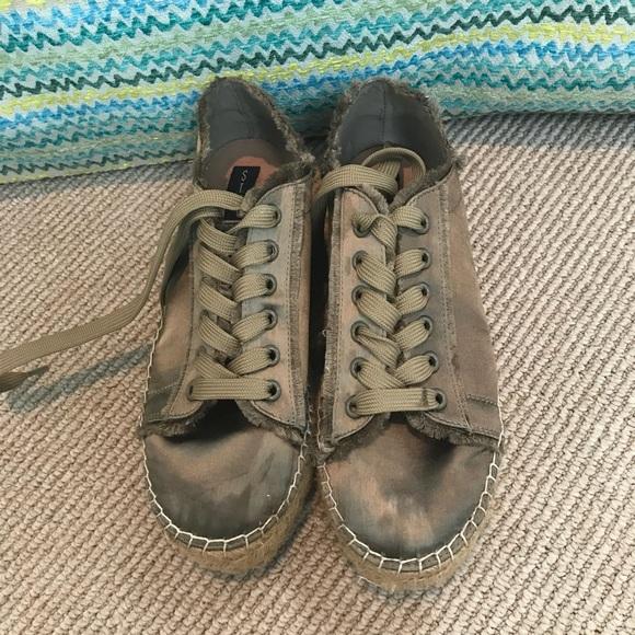 64184350f91 Steve Madden olive green espadrille sneakers. M 5b461d098ad2f9b7a09f5a75